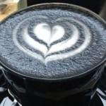 チャコールフードがアツい!流行りの黒い食べ物はデトックス効果が抜群。