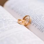 近年は婚約指輪と結婚指輪の重ね付けが主流